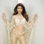 Shilpa Shetty lost 21 kgs post-pregnancy in 3 months. right here's how!