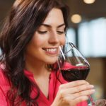 Moderate drinking may not affect women's fertility