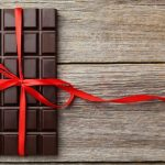 Want a healthy heart? Eat small portions of dark chocolate having extra virgin olive oil every day